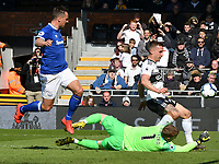 Football - 2018 / 2019 Premier League - Fulham vs. Everton<br /> <br /> Jordan Pickford Everton saves an attempt from Joe Bryan Fulham, at Craven Cottage.<br /> <br /> COLORSPORT/WINSTON BYNORTH