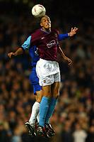 Fotball<br /> Foto: BPI/Digitalsport<br /> NORWAY ONLY<br /> <br /> Chelsea v West Ham United. 27/10/2004.<br /> <br /> Bobby Zamora of West Ham wins the header