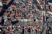 Nederland, Zuid-Holland, Delft, 20-03-2009; de Markt met links het Stadhuis, het plein met terrassen in de zon en rechts de Nieuwe Kerk. Rechtsonder de Maria van Jessekerk. Air view on the Old Town of Delft. Right the New Church on the Markt, left the City Hall. Terraces on the  Markt (the square)..Swart collectie, luchtfoto (toeslag); Swart Collection, aerial photo (additional fee required).foto Siebe Swart / photo Siebe Swart