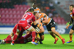 Wilmar Arnoldi of Toyota Cheetahs is tackled  - Mandatory by-line: Dougie Allward/JMP - 02/11/2019 - RUGBY - Parc y Scarlets - Llanelli, Wales - Scarlets v Toyota Cheetahs - Guinness PRO14
