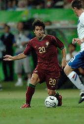 25-06-2006 VOETBAL: FIFA WORLD CUP: NEDERLAND - PORTUGAL: NURNBERG<br /> Oranje verliest in een beladen duel met 1-0 van Portugal en is uitgeschakeld / DECO <br /> ©2006-WWW.FOTOHOOGENDOORN.NL