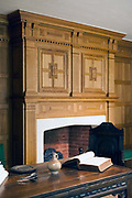 Details of a sixteenth century room at the Geffrye Museum, Hackney, London, UK<br /> Founded in 1914, the Geffrye Museum is a museum specialising in the history of the English domestic interior