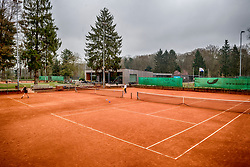 """12-04-2018 NED: Tennisclub Shot, Zeist<br /> Op de schitterende banen van Zeister Tennisclub """"SHOT"""" tennissen ruim 900 leden"""