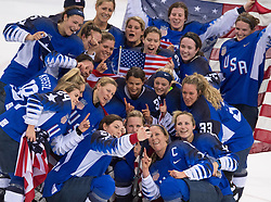 """February 22, 2018 - Pyeongchang, South Korea - Team USA members gather around for a """"selfie"""" with HILARY KNIGHT following their 3-2 overtime win over Canada in the Women's Gold Medal Ice Hockey game Thursday, February 22, 2018 at Gangneung Hockey Centre at the Pyeongchang Winter Olympic Games. Photo by Mark Reis, ZUMA Press/The Gazette (Credit Image: © Mark Reis via ZUMA Wire)"""
