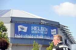 26.07.2015, Benteler Arena, Paderborn, GER, 2. FBL, SC Paderborn 07 vs VfL Bochum, 1. Runde, im Bild Bild: Paderborn Stadion aussen: mit Banner Helden geben nie auf, SCP // during the 2nd German Bundesliga 1st round match between SC Paderborn 07 and VfL Bochum at the Benteler Arena in Paderborn, Germany on 2015/07/26. EXPA Pictures © 2015, PhotoCredit: EXPA/ Eibner-Pressefoto/ Sippel<br /> <br /> *****ATTENTION - OUT of GER*****