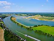 Nederland, Limburg, Gemeente Bergen; 27-05-2020; rivier de Maas ter hoogte van Kamp, tussen Aijen en Well. Door zandwinning en graven hoogwatergeul (Kampergeul) ontstaat Maaspark Well.<br /> River Meuse between Aijen and Well. Maaspark Well is created by sand extraction and digging a high-water channel.<br /> <br /> luchtfoto (toeslag op standaard tarieven);<br /> aerial photo (additional fee required)<br /> copyright © 2020 foto/photo Siebe Swart