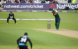 GP Smith of Notts Outlaws (R) in action - Mandatory by-line: Jack Phillips/JMP - 09/07/2016 - CRICKET - Trent Bridge - Nottingham, United Kingdom - Nottingham Outlaws v Worcestershire Rapids - Natwest T20 Blast