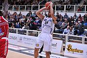 DESCRIZIONE : Trento Lega A 2015-16 Dolomiti Energia Trentino - Consultinvest Pesaro<br /> GIOCATORE : Trent Lockett<br /> CATEGORIA : Tiro<br /> SQUADRA : Dolomiti Energia Trentino - Consultinvest Pesaro<br /> EVENTO : Campionato Lega A 2015-2016 <br /> GARA : Dolomiti Energia Trentino - Consultinvest Pesaro<br /> DATA : 08/11/2015 <br /> SPORT : Pallacanestro <br /> AUTORE : Agenzia Ciamillo-Castoria/M.Gregolin<br /> Galleria : Lega Basket A 2015-2016 <br /> Fotonotizia : Trento Lega A 2015-16 Dolomiti Energia Trentino - Consultinvest Pesaro