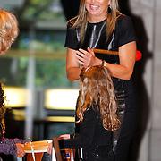 NLD/Amsterdam/20121002 - H.K.H. Prinses Maxima opent in het Tropenmuseum de tentoonstelling MixMax Brazil, openingshandeling