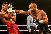 Boxen: Agon Boxgala, Mittelgewicht, Deutsche Meisterschaft, Schwerin, 15.06.2019<br /> Hector Hernandez (GER, München) - Björn Schicke (GER, Berlin)<br /> © Torsten Helmke