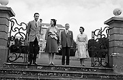 Princess Margaret on holidays in Ireland, pictured at Abbeyleix House with her husband, Lord Snowdon (left) and her hosts, Viscount and Viscountess de Vesci. 17.08.1962