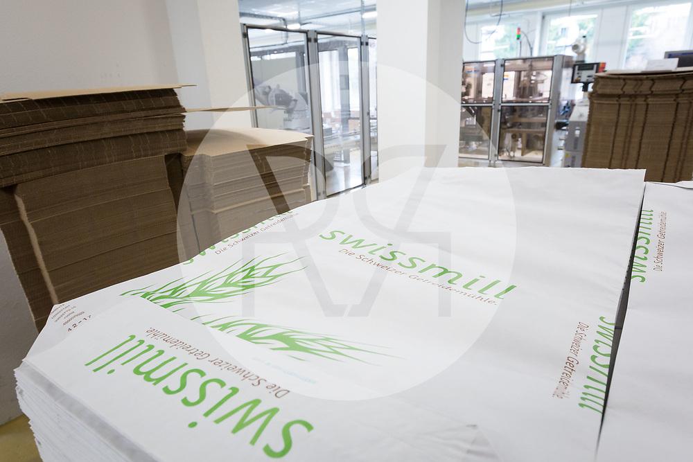 SCHWEIZ - ZÜRICH - Papiersack der Getreidemühle Swissmill im Kornhaus - 26. Januar 2018 © Raphael Hünerfauth - http://huenerfauth.ch