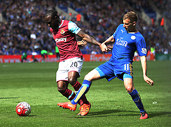 Victor Moses of West Ham United (L) and Marc Albrighton of Leicester City in action - Mandatory by-line: Jack Phillips/JMP - 17/04/2016 - FOOTBALL - King Power Stadium - Leicester, England - Leicester City v West Ham United - Barclays Premier League