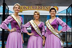 Principal festival de celebração das tradições germânicas, a Oktoberfest é realizada em diversas cidades do PaÌs. Em Santa Cruz do sul, o evento teve início em 1984 destacando as danças, o chope, a gastronomia, a música e os demais elementos trazidos pelos imigrantes alemães. Na foto a corte da 24™ Oktoberfest de Santa Cruz do Sul, Janine Alves de Paiva (Rainha), Laura Helfer Hoeltgebaum (Princesa) e Deisi Beatriz Neumann (Princesa). FOTO: Lucas Uebel/Preview.com