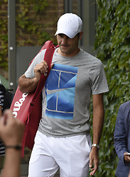 July 1, 2017 - Wimbledon, Angleterre - Roger Federer of Switzerland pictured during training session at  the championships Wimbledon  2017 July 01, 2017 in London, United Kingdom , 1/07/2017 (Credit Image: © Panoramic via ZUMA Press)
