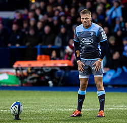 Gareth Anscombe of Cardiff Blues lines up a kick at goal<br /> <br /> Photographer Simon King/Replay Images<br /> <br /> European Rugby Champions Cup Round 4 - Cardiff Blues v Saracens - Saturday 15th December 2018 - Cardiff Arms Park - Cardiff<br /> <br /> World Copyright © Replay Images . All rights reserved. info@replayimages.co.uk - http://replayimages.co.uk