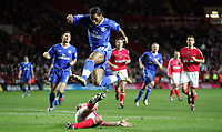 Fotball<br /> Premier League England 2004/2005<br /> Foto: SBI/Digitalsport<br /> NORWAY ONLY<br /> <br /> Charlton Athletic v Chelsea FC. <br /> The Barclays Premiership. <br /> The Valley.<br /> 27/11/2004<br /> <br /> Chelsea's Didier Drogba is tackled by charlton's Talal El Karkouri
