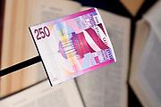 Perspreview 50 jaar Koninklijk Paleis Amsterdam.<br /> <br /> Op de foto: 250 Gulden - vuurtoren
