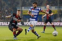 DOETICHEM - 12-09-15, de Graafschap - AZ, Stadion De Vijverberg, 1-3, AZ speler Markus Henriksen (l) scoort hier de 1-3, doelpunt, De Graafschap speler Robin Propper.