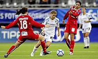 Fotball<br /> Cupfinale<br /> 07.11.2009<br /> Røa v Team Strømmen 1 - 0<br /> Telenor Arena<br /> Mari Knudsen(l) og Rhian Wilkinson(r) , Team Strømmen<br /> Marie Knutsen , Røa <br /> Foto : Astrid M. Nordhaug