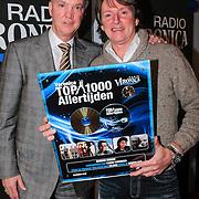 """NLD/Naarden/20121210 - Louie van Gaal rijkt Gouden plaat uit aan Erik de Zwart , Louie van Gaal rijkt gouden plaat uit aan Eric de Zwart """"Top 100 Allertijden"""""""