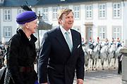 Staatsbezoek Denemarken - Dag 1. Aankomst en Téte-á-tète  op Paleis Fredensborg<br /> <br /> State visit Denmark - Day 1. Arrival and Téte-á-tète  at Palace Fredensborg<br /> <br /> <br /> op de foto / On the photo: King Willem Alexander with Queen Margrethe / Koning Willem Alexander met Koningin Margrethe