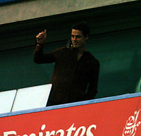 CHELSEA V CHARLTON PREMIER 08/02/2004<br /> NEW SIGNING FROM CHARLTON SCOTT PARKER  - UNABLE TO PLAY TODAY - APPLAUDS FANS FROM BOX<br />  PHOTO ROGER PARKER FOTOSPORTS INTERNATIONAL