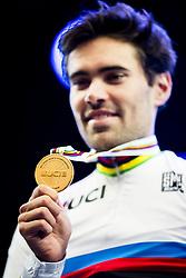 September 20, 2017 - Bergen, NORWAY - 170920 The gold medal of Tom Dumoulin o during the award ceremony after the Men Elite Individual Time Trial on September 20, 2017 in Bergen..Photo: Jon Olav Nesvold / BILDBYRN / kod JE / 160023 (Credit Image: © Jon Olav Nesvold/Bildbyran via ZUMA Wire)