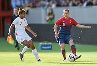 Fotball , 3. september 2019 , Norge - England , kvinner , dammer<br /> Norway - England , Woman, <br /> Kristine Minde , Norge<br /> Nikita Parris , England