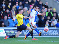 Blackburn Rovers' Elliott Bennett vies for possession with Oxford United's John Lundstram <br /> <br /> Photographer Chris Vaughan/CameraSport<br /> <br /> Football - The FA Cup Fourth Round - Oxford United v Blackburn Blackburn Rovers  - Saturday 30th January 2016 - Kassam Stadium - Oxford<br /> <br /> © CameraSport - 43 Linden Ave. Countesthorpe. Leicester. England. LE8 5PG - Tel: +44 (0) 116 277 4147 - admin@camerasport.com - www.camerasport.com