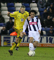 Photo: Mark Stephenson.<br />West Bromwich Albion v Leeds United. The FA Cup. 06/01/2007.<br />West Brom's Robert Koren on the ball.