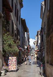 THEMENBILD - URLAUB IN KROATIEN, die Einkaufsstrasse, aufgenommen am 01.07.2014 in Porec, Kroatien // the shopping street in Porec, Croatia on 2014/07/01. EXPA Pictures © 2014, PhotoCredit: EXPA/ JFK