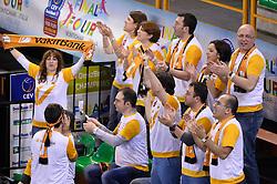 09-04-2016 ITA: CEV DenizBank Champions League Fenerbahce Grundig Istanbul - VakıfBank Istanbul, Montichiari<br /> Vakifbank wint met 3-0 en plaatst zich voor de finale / Support publiek <br /> <br /> ***NETHERLANDS ONLY***