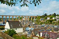 France, Finistère (29), Morlaix, le viaduc et la ville // France, Briitany, Finistere, Morlaix, viaduct and city