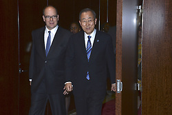 Fürst Albert besucht das UN Headquarter in New York - hier mit Generalsekretär der Vereinten Nationen Ban Ki Moon / 241016 ***Prince Albert II of Monaco visits The UN Headquarters. (NYC)***