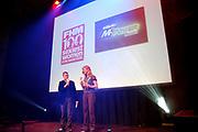 Het jaarlijkse feest van Mannenblad FHM, waar o.a. de meest sexy vrouw van Nederland wordt gekozen en het mooiste aanstormend talent de Spits Award krijgt en het 'Buurmeisje van het jaar' wordt gekozen in de Westergasfabriek in Amsterdam<br /> Filemon Wesselink met Sophie Hilbrandt