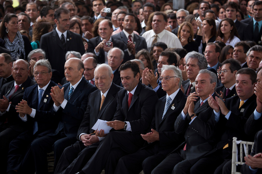 Belo Horizonte_MG, 04 de Marco de 2010...Vitoria CI / Banco de Imagens Aecio e Anastasia..Inauguracao do Centro Administrativo do estado de Minas Gerais. O evento contou com a presenca do governador de Minas Gerais, Aecio Neves, do vice Antonio Augusto Anastasia e lideres politicos...Foto: BRUNO MAGALHAES / NITRO