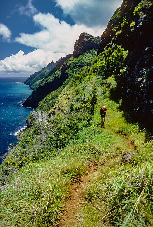 Tina-Smith O'Hara, backpacking along the Na Pali Coast trail, Kauai, HI, USA