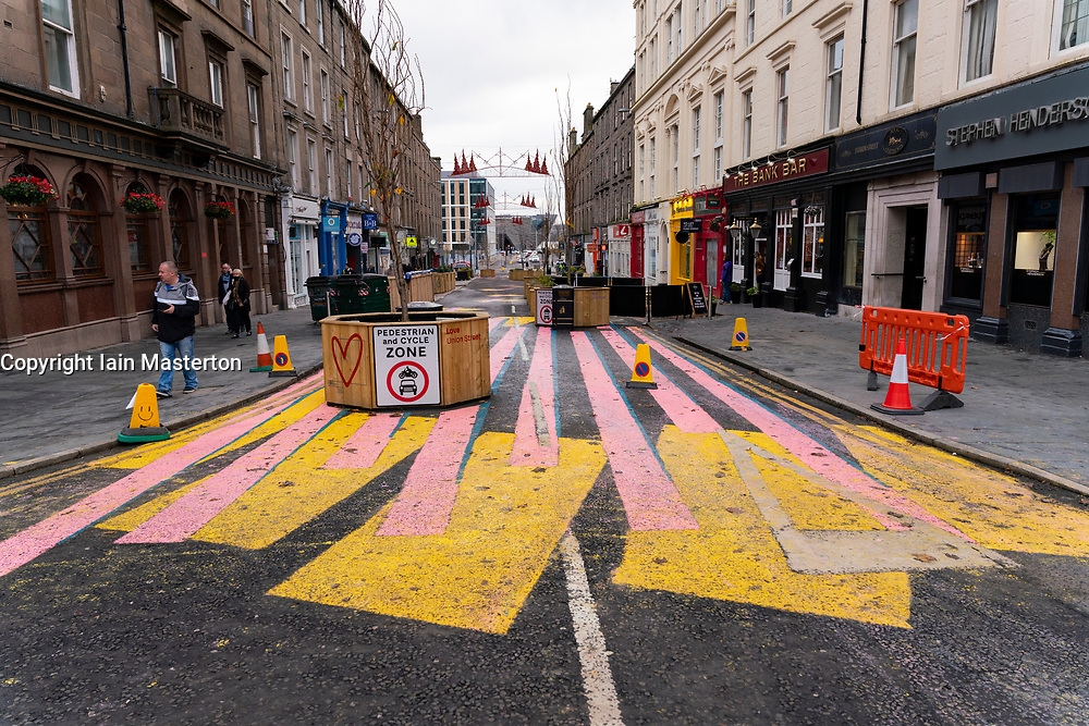 Dundee, Scotland, UK. 27 November 2020 . Views of streets of Dundee in Tayside on Black Friday sales with many shoppers buying Christmas shopping during a level 3 lockdown during Covid-19 pandemic. Pictured; Pedestrianised Union Street has been closed to traffic. Iain Masterton/Alamy Live News