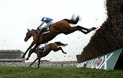 Coo Star Sivola ridden by Lizzie Kelly in action in the Betway Mildmay Novices' Chase during Ladies Day of the 2018 Randox Health Grand National Festival at Aintree Racecourse, Liverpool. PRESS ASSOCIATION Photo. Picture date: Friday April 13, 2018. See PA story RACING Aintree. Photo credit should read: Tim Goode/PA Wireduring Ladies Day of the 2018 Randox Health Grand National Festival at Aintree Racecourse, Liverpool. PRESS ASSOCIATION Photo. Picture date: Friday April 13, 2018. See PA story RACING Aintree. Photo credit should read: Tim Goode/PA Wire