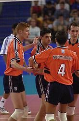 23-09-2000 AUS: Olympic Games Volleybal Nederland - Egypte, Sydney<br /> Nederland wint met 3-1 van Egypte / Bas van de Goor, Guido Gortzen