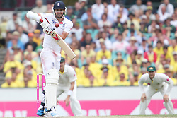 © Licensed to London News Pictures. 03/01/2014. James Anderson batting  during the 5th Ashes Test Match between Australia Vs England at the SCG on 03 January, 2013 in Melbourne, Australia. Photo credit : Asanka Brendon Ratnayake/LNP