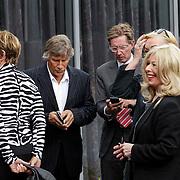 NLD/Bilthoven/20120618 - Uitvaart Will Hoebee, Martin Gaus en partner Helly, Viola en Peter Holt, Bonnie St. Claire