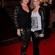 NLD/Amsterdam/20121112 - Beau Monde Awards 2012, Inge Iepenburg en Alexandra Alphenaar