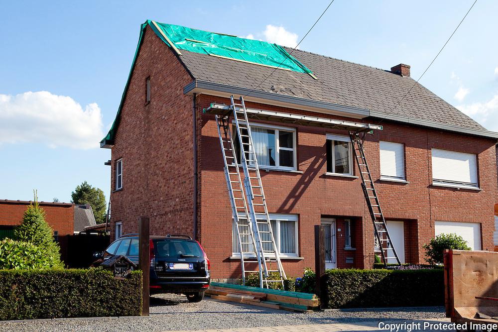 358812_ingestort dak in Nieuwstraat 9 Itegem