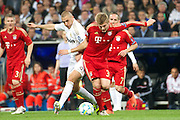 Champions League semi final second leg soccer match between Real Madrid and FC Bayern Munich at the Santiago Bernabeu stadium in Spain - <br /> MADRID 25/04/2012<br /> ESTADIO SANTIAGO BERNABEU.<br /> half final, Halbfinale, Semifinale,  CHAMPIONS LEAGUE<br /> REAL MADRID 2 - BAYERN 1<br /> picture: BENZEMA.KROOS.- fee liable image, copyright © ATP QUEEN INTERNACIONAL<br /> <br /> Real MADRID vs Fc BAYERN Match 2:1 und 3:1 im Elfmeterschieflen - and 3:1 in penalty shooting - Queen photographer Fernando ALVAREZ