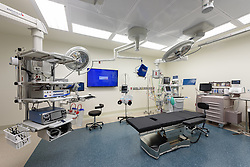Yale-New Haven Health Park Avenue Medical Center. Architect: Shepley Bulfinch. Contractor: Gilbane Building Company, Glastonbury, CT. James R Anderson Photography, New Haven CT photog.com. Date of Photograph 4 May 2016  Submission 25  © James R Anderson. Operating Room, Third Floor.