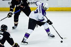 Wayne Simmonds (Los Angeles Kings, #17) during ice-hockey match between Anaheim Ducks and Los Angeles Kings in NHL league, Februar 23, 2011 at Honda Center, Anaheim, USA. (Photo By Matic Klansek Velej / Sportida.com)