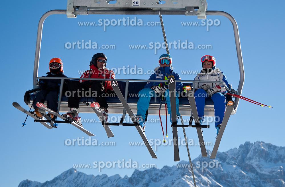 23.01.2011, Tofana, Cortina d Ampezzo, ITA, FIS World Cup Ski Alpin, Lady, Cortina, SuperG, im Bild Julia Mancuso (USA, #19) am Sessellift // Julia Mancuso (USA) during FIS Ski Worldcup ladies SuperG at pista Tofana in Cortina d Ampezzo, Italy on 23/1/2011. EXPA Pictures © 2011, PhotoCredit: EXPA/ J. Groder