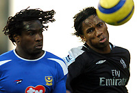 Fotball<br /> Premier League 2004/05<br /> Portsmouth v Chelsea<br /> 28. desember 2004<br /> Foto: Digitalsport<br /> NORWAY ONLY<br /> Linvoy Primus, left, and Didier Drogba battle for the ball